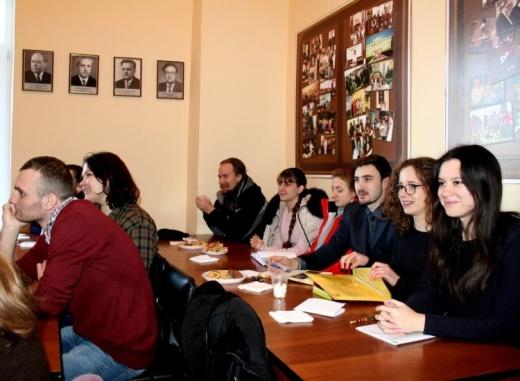 Засідання студентського наукового гуртка «Практики читання художньої літератури»
