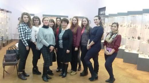 Засідання гуртка мистецтвознавців, присвячене мистецтву художнього фарфору