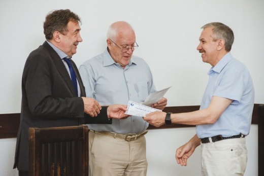 Professor S.I.Posokhov received a certificate on the introduction of a new distance course